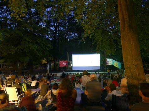 Cinema del Sol: Kino OPEN AIR @ Rasenvorplatz ev. Kirche Bolzum